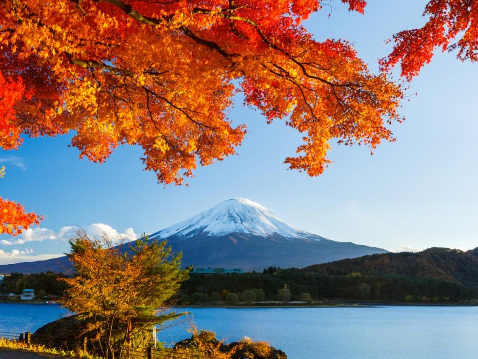 fudziyama yaponiya gora sneg